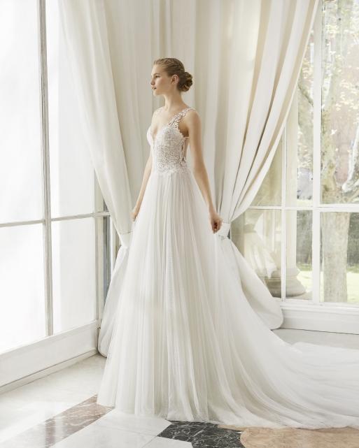 Collezione abiti da sposa 2019 - Magazzini D Amico 5e61f6da22e6